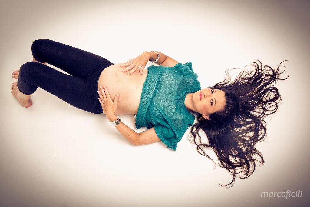portrait_studio_indoor_maternity_pregnancy