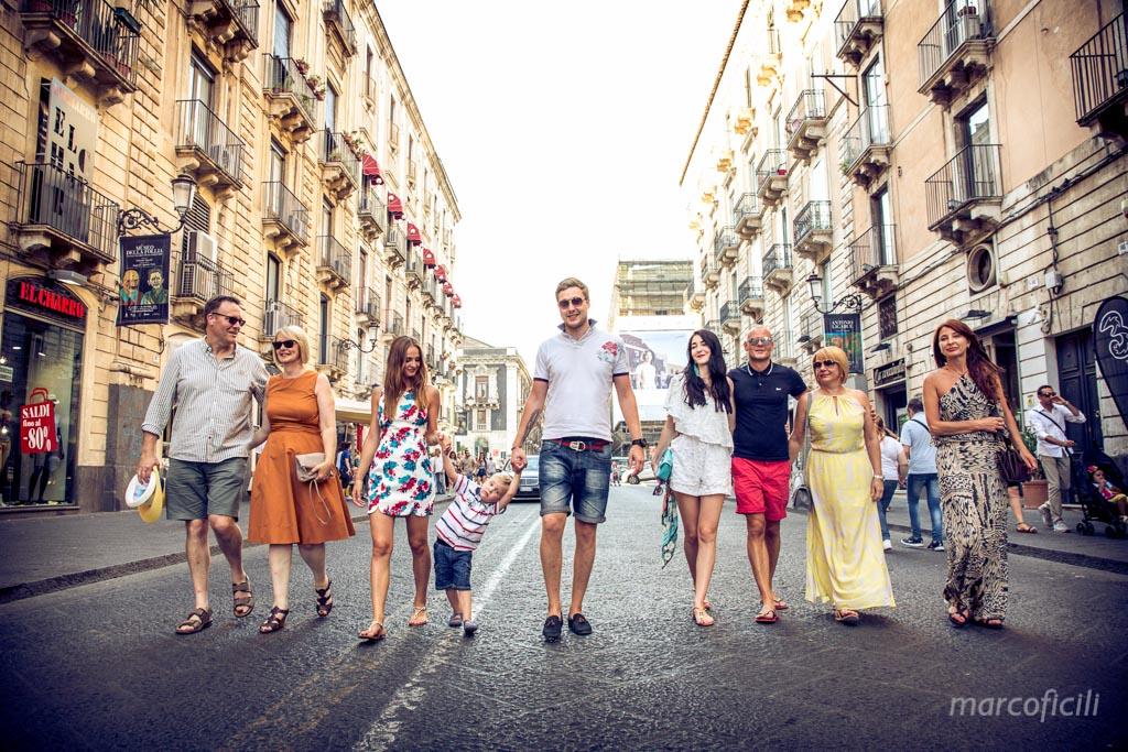 ritratto, famiglia, catania, sicilia, fotografo, foto, bravo, allegri, felici, bello, famoso, top, vita etnea
