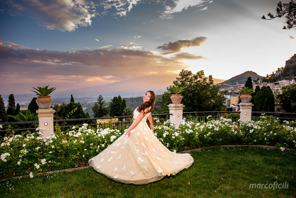 portrait_photographer_photos_photography_taormina_catania_sicily_best_top_luxury_amazing_timeo_belmond_sunset_lovely_couple