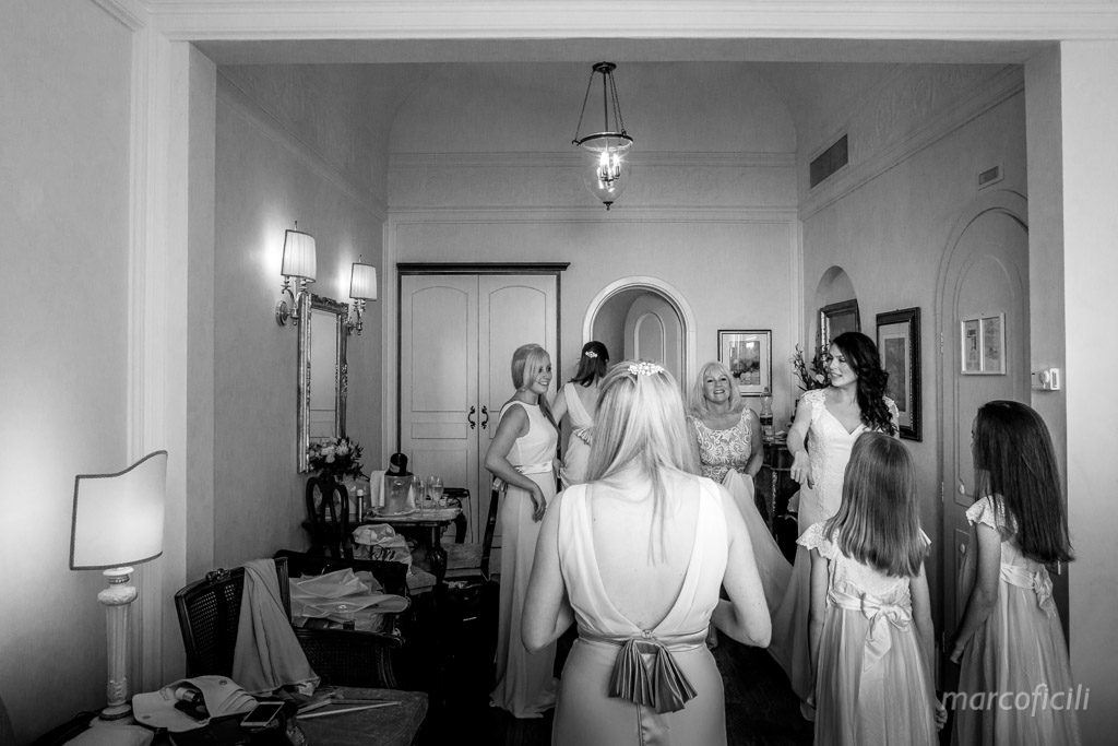 Romantic wedding Timeo Taormina _photographer_photos_videographer_video_sicily_taormina_italy_mariage_best_top_catania_fireworks_blessing_terrace_greek_ theatre_marco_ficili_010-