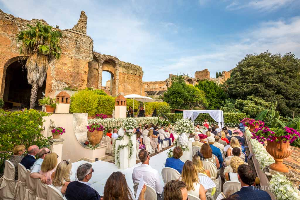 Romantic wedding Timeo Taormina _photographer_photos_videographer_video_sicily_taormina_italy_mariage_best_top_catania_fireworks_blessing_terrace_greek_ theatre_marco_ficili_023-
