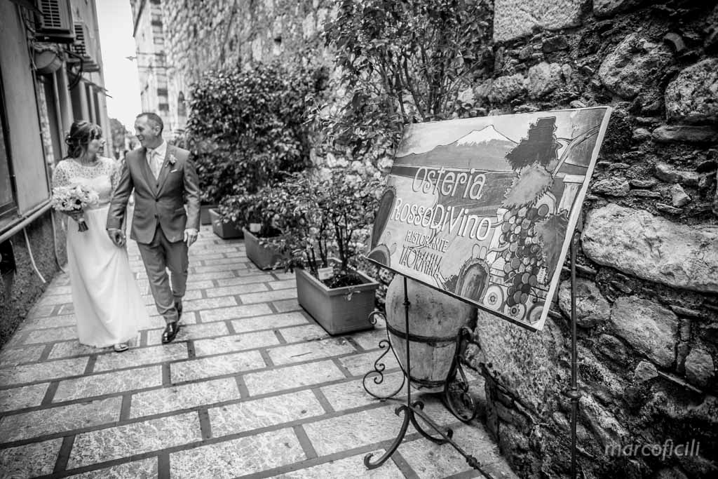 Wedding photos Greek Theatre Taormina __villa_antonio_photographer_sunset_sicily_italy_duchi_santo_stefano_taormina_best_top _marco_ficili_020-
