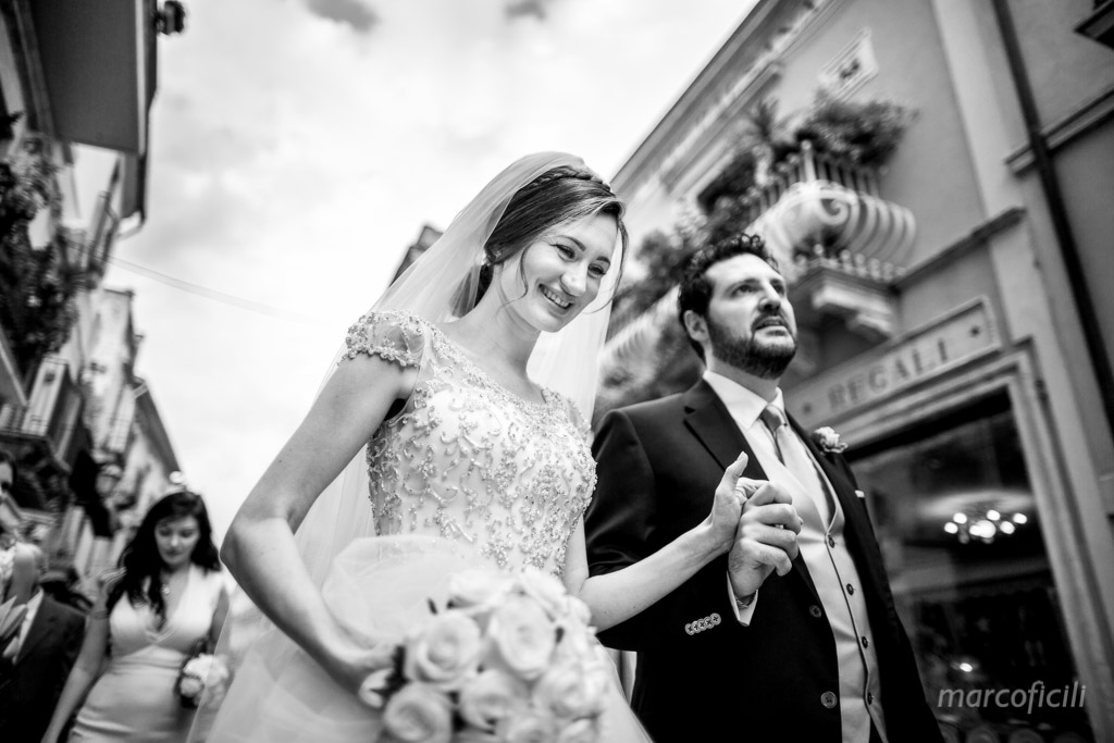 Taormina wedding couple Corso Umberto