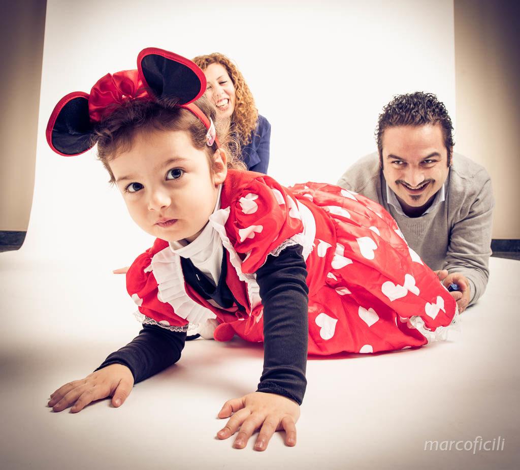 oto_studio_famiglia_ritratto_bimba_bimbi_bello_catania_allegro_fotografo_bravo