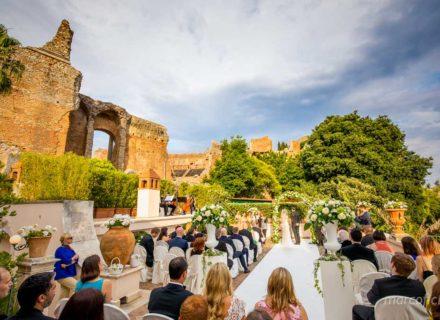 Matrimonio all'ombra del Teatro Greco , Taormina, Sicilia, Timeo