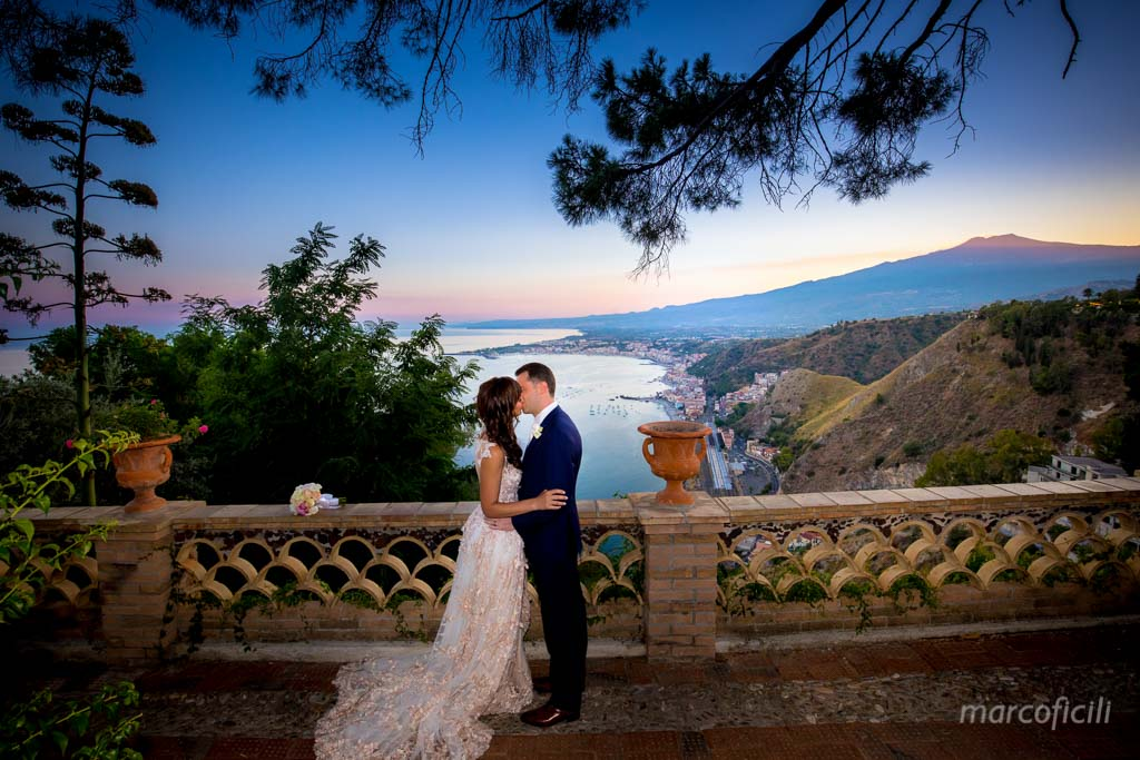 Matrimonio San Domenico Taormina_ fotografo_bravo_migliore_top_sicilia_villa_taormina_tramonto