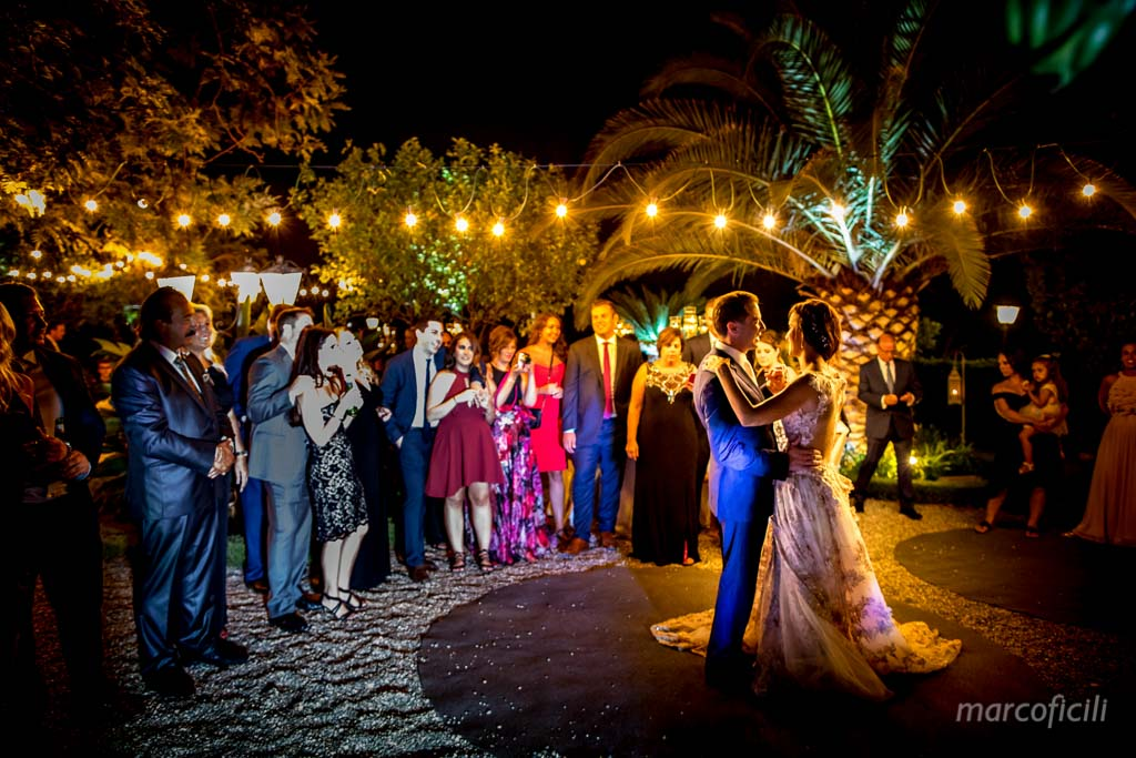 San Domenico Palace Taormina _wedding_photographer_photo_pictures_top_famous_best_elegant_chic_cake_amazing_sicily_magic_moonlight_terrace_love_first_dance_garden_moonlight