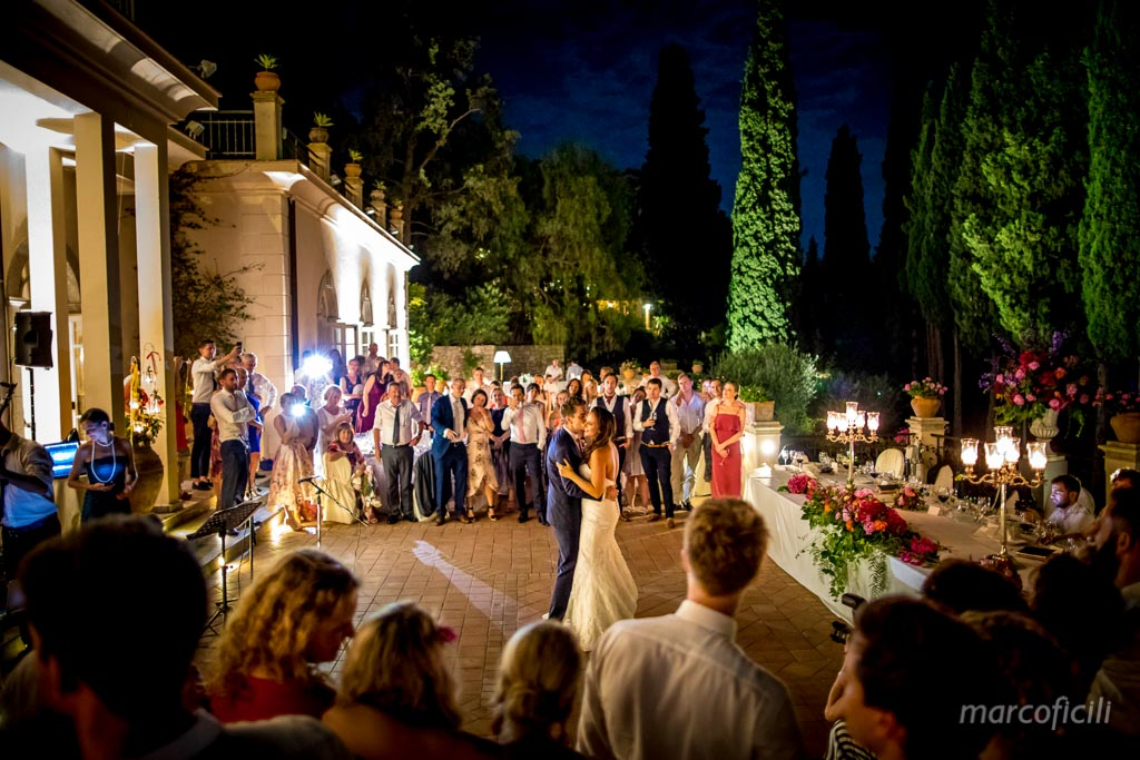 Chic Wedding Taormina _Sicily_Italy_best_wedding_photographer_belmond_grand_hotel_timeo_moonlight_firstdance
