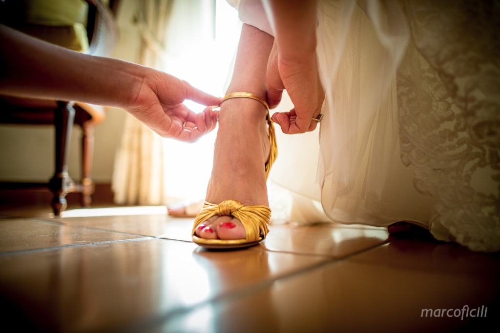 Matrimonio Chic Taormina _Sicilia_Catania_fotografo_timeo_belmond_hotel_scarpe_sposa_gucci