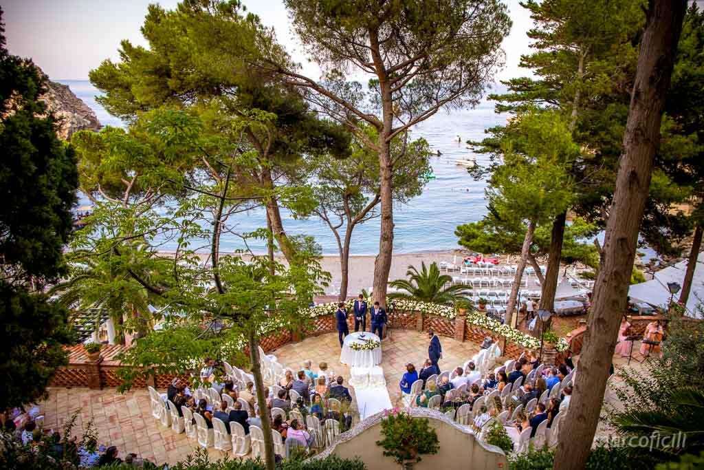 Matrimonio Taormina Mare _belmond_villasantandrea_spiaggia_allegro_fuochi_artificio_fotografo_bravo_chic_famoso_top_giardino