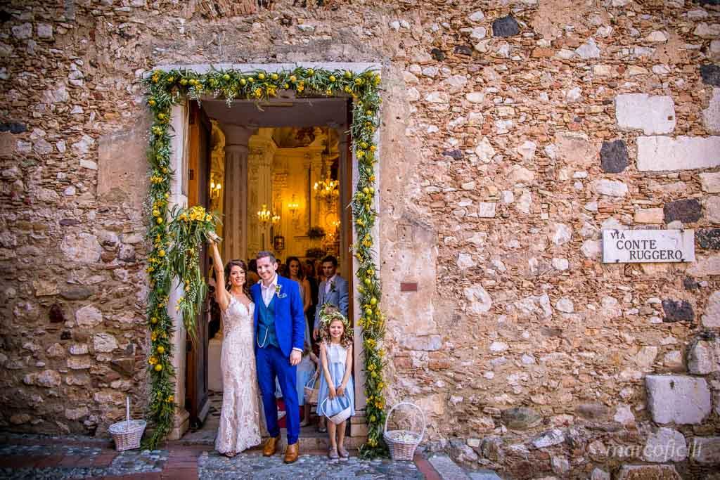 Matrimonio Taormina Chiesa Varò _Sicilia_Catania_gemelli_sposi_uscita