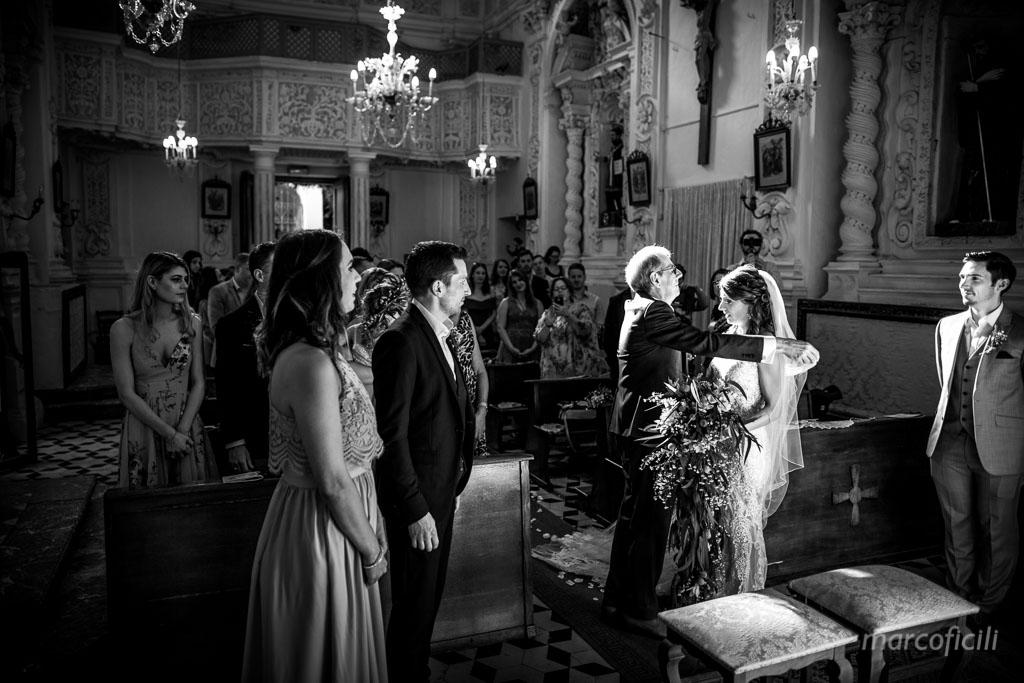 Matrimonio Taormina Chiesa Varò _Sicilia_Catania_gemelli_sposa_papà_velo_chiesa_alzare