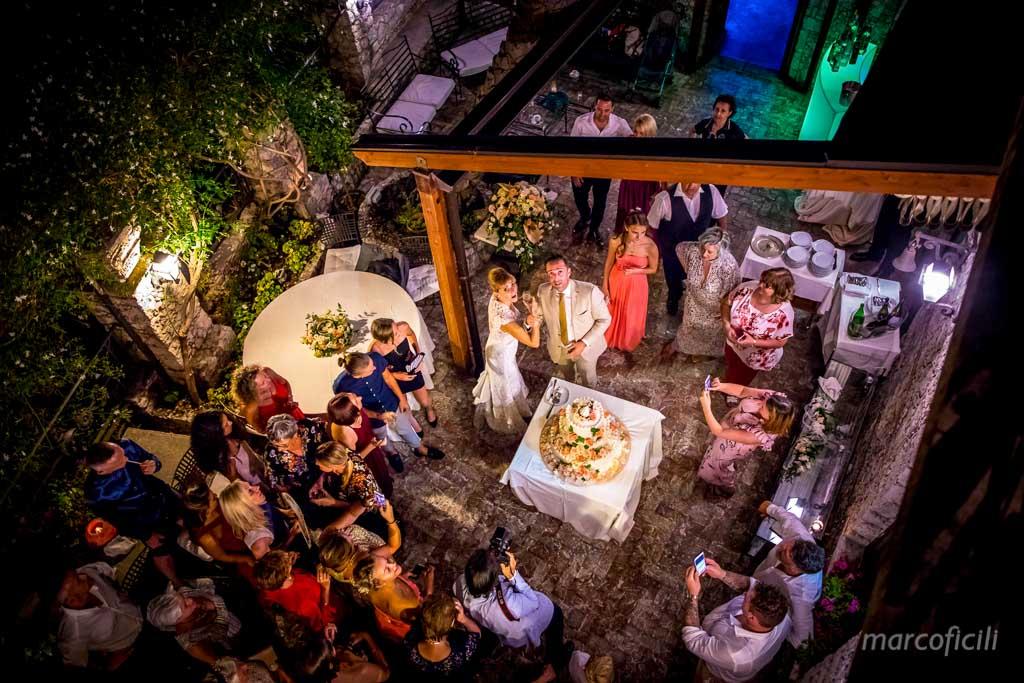 Villa Antonio Venue Taormina _Sicily_wedding cake_ happy couple