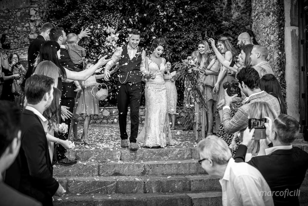 Wedding Taormina Varò church _Sicily__best_photographer_videographer_bride_groom_confetti_time
