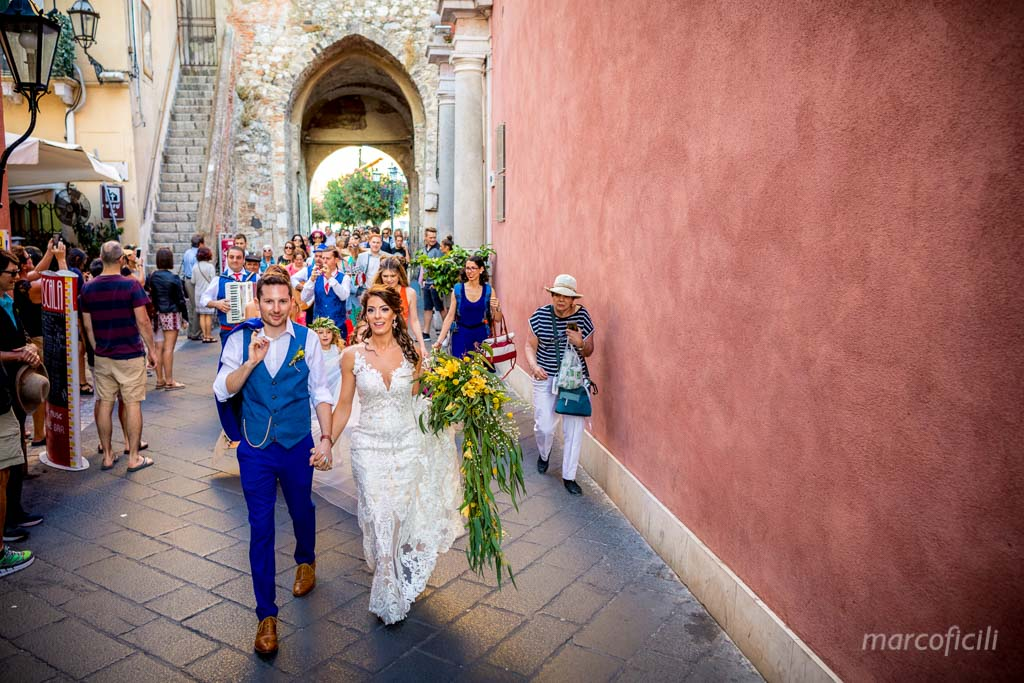 Wedding Taormina Varò church _Sicily__best_photographer_videographer_bride_groom_corso_umberto