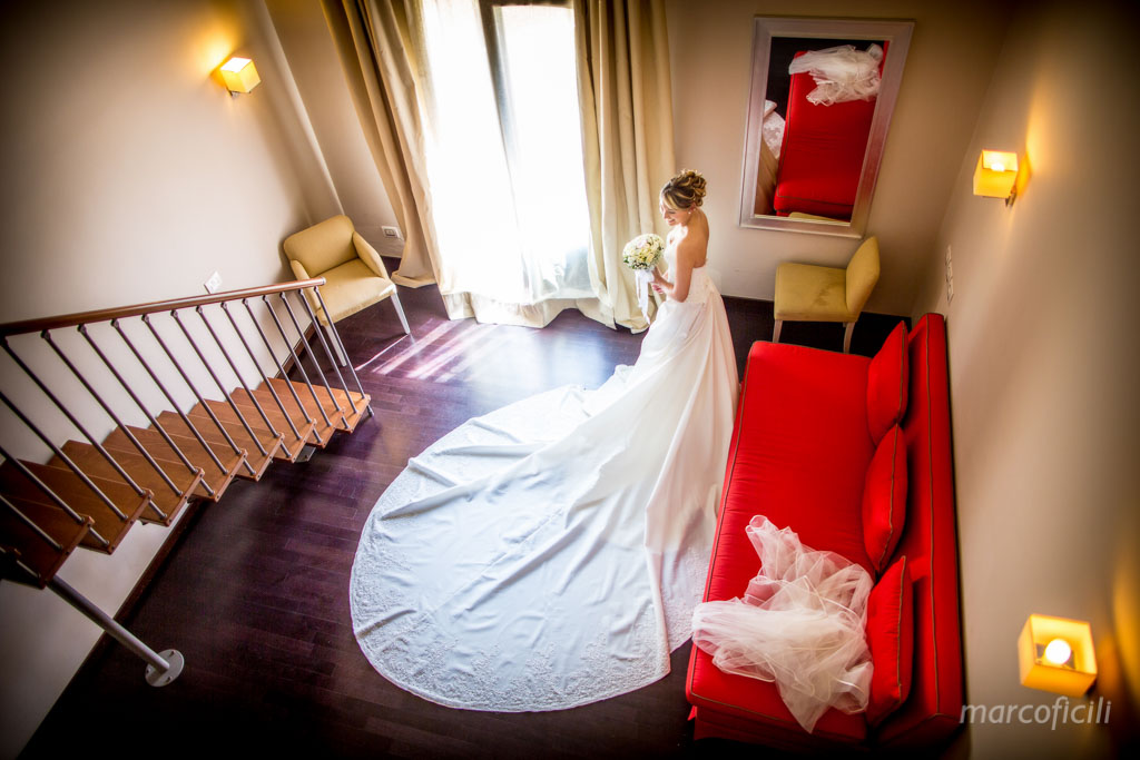 Acireale_wedding_bride_getting_ready_photographer