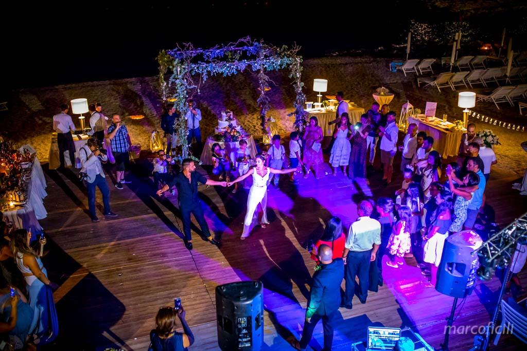 Fireworks Wedding Taormina _wedding_sicily_catania_lovely_luxury_amazing_happy_beach_villa_santandrea_belmond_top_photographer_videographer_firstdance_beach_night