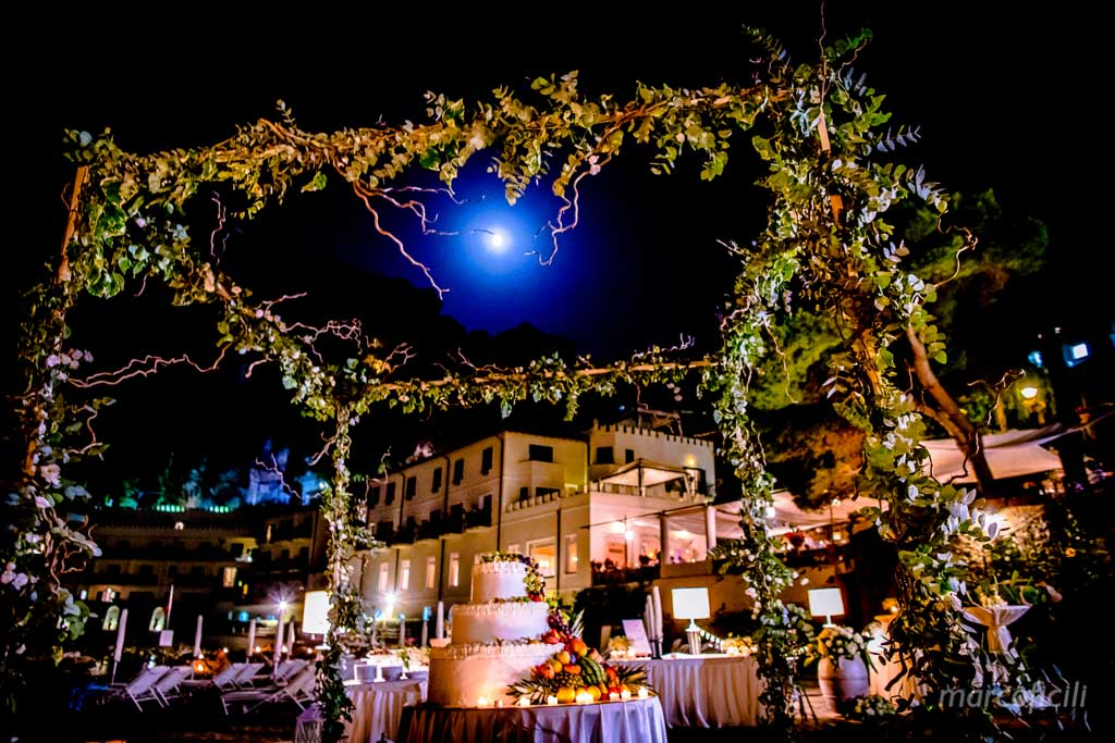 Fireworks Wedding Taormina _wedding_sicily_catania_lovely_luxury_amazing_happy_beach_villa_santandrea_belmond_top_photographer_videographer_cake_moon_beach_sea_amazing_stunning