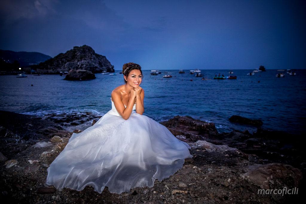 Matrimonio Fuochi artificio Taormina _villa_santandrea_mare_spiaggia_stupenda_meravigliosa_mozzafiato_matrimonio_sposa_fotografo_luxury_sicilia_catania_sposa_spiaggia_tramonto_magica