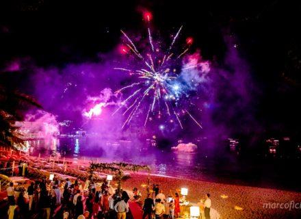 Matrimonio Fuochi artificio Taormina _villa_santandrea_mare_sera_spiaggia_fototgrafo_chic