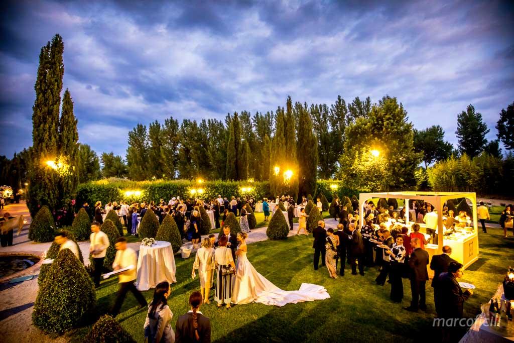 Matrimonio Giardini di Villa Fago _Acireale_Catania_fotografo_sposi_giardino_panoramica_imbrunire_aperitivo