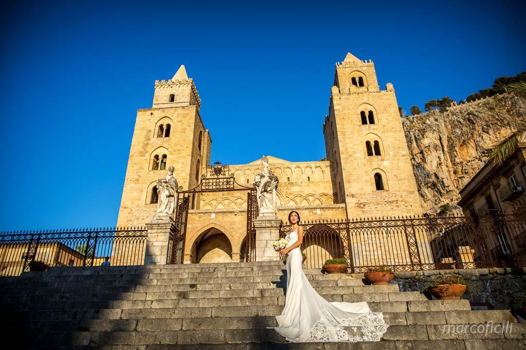 chiesa del purgatorio, cefalù, duomo, kiss, wedding, couple, bride, groom, photographer, video, duomo, sicilian