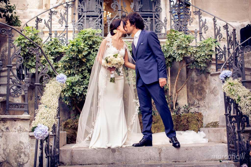 Chiesa del Purgatorio_cefalu_sicilia_duomo_sposi_matrimonio_fotografo_bravo_riso_bacio_sposi