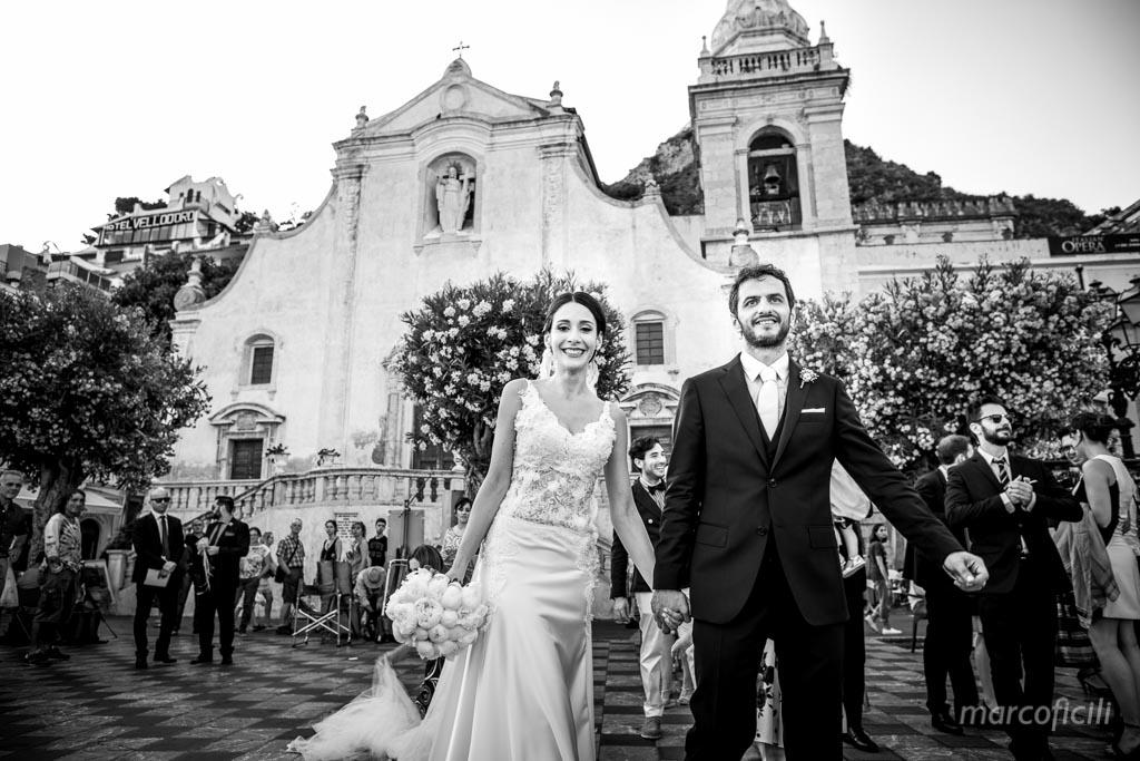 Matrimonio Villa Mon Repos _taormina_matrimonio_villa_fotografo_sposi_b&n_piazza_IXaprile