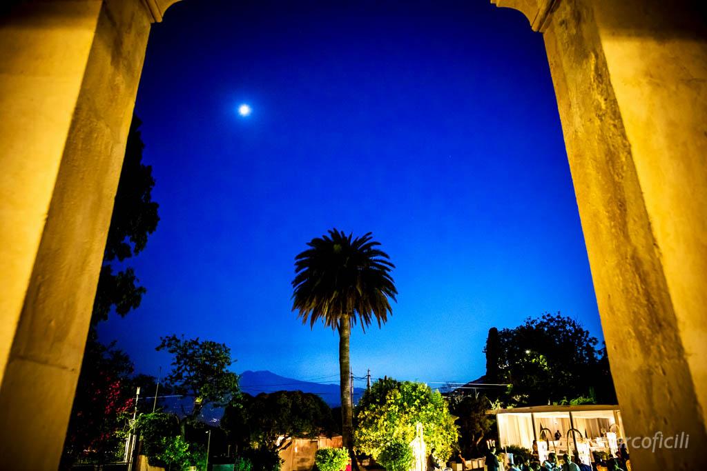 Matrimonio Villa Mon Repos _taormina_matrimonio_villa_fotografo_luna_sera_portico