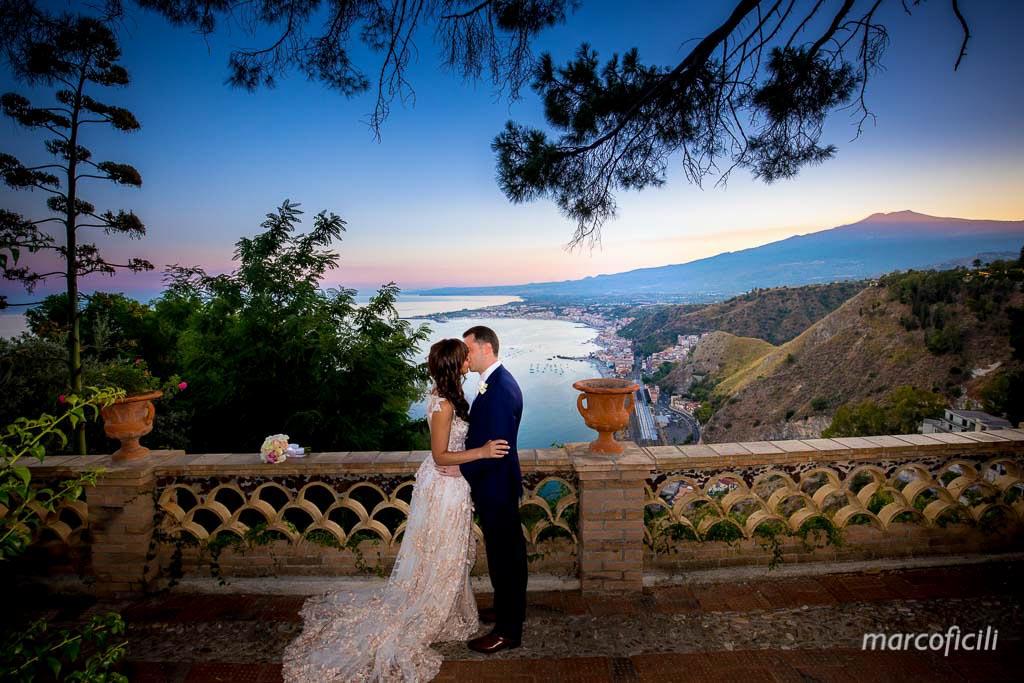 sandomenico_hotel_taormina_matrimonio_elegante_fotografo_sera_magico_marco_ficili_011-