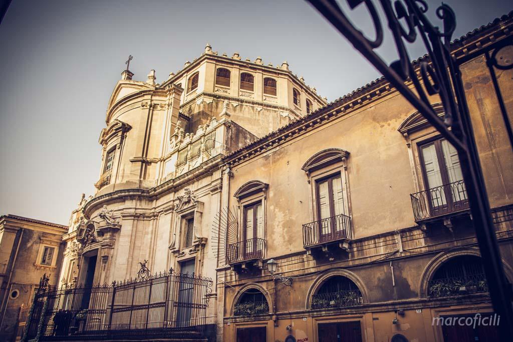Matrimonio Catania _chiesa_sangiuliano_viacrociferi_centrostorico_matrimio_sposi