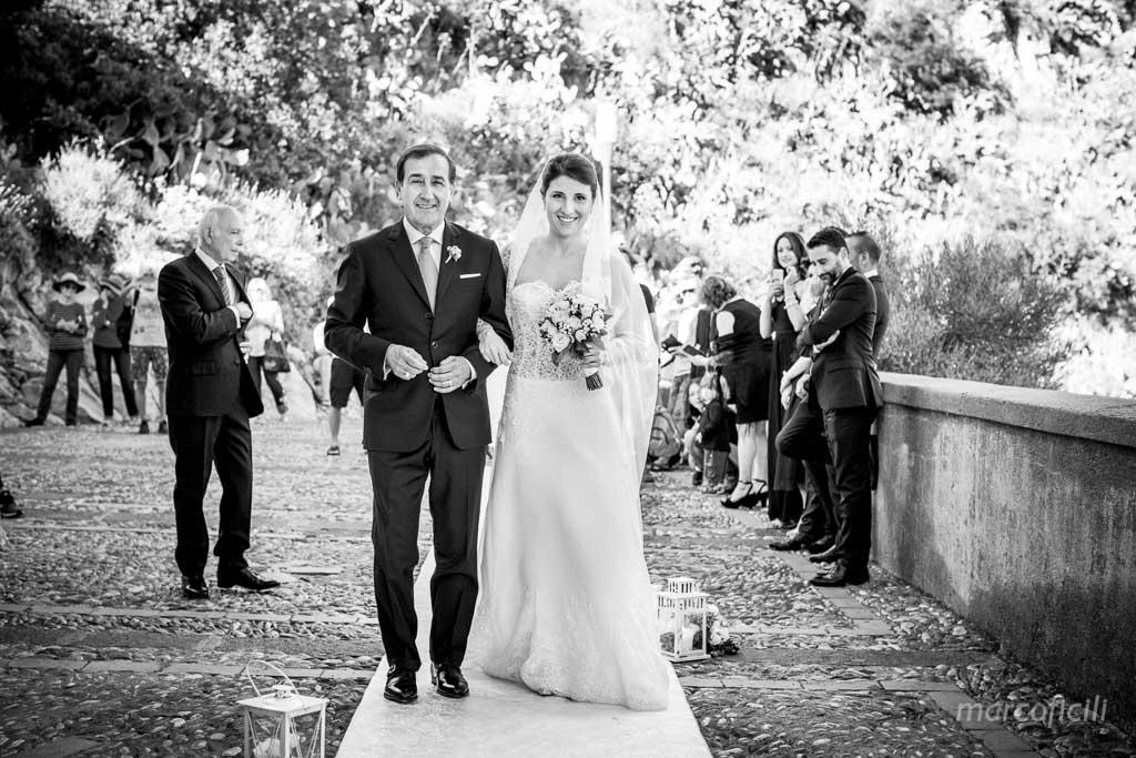 Wedding Madonna della Rocca Taormina, bride, father