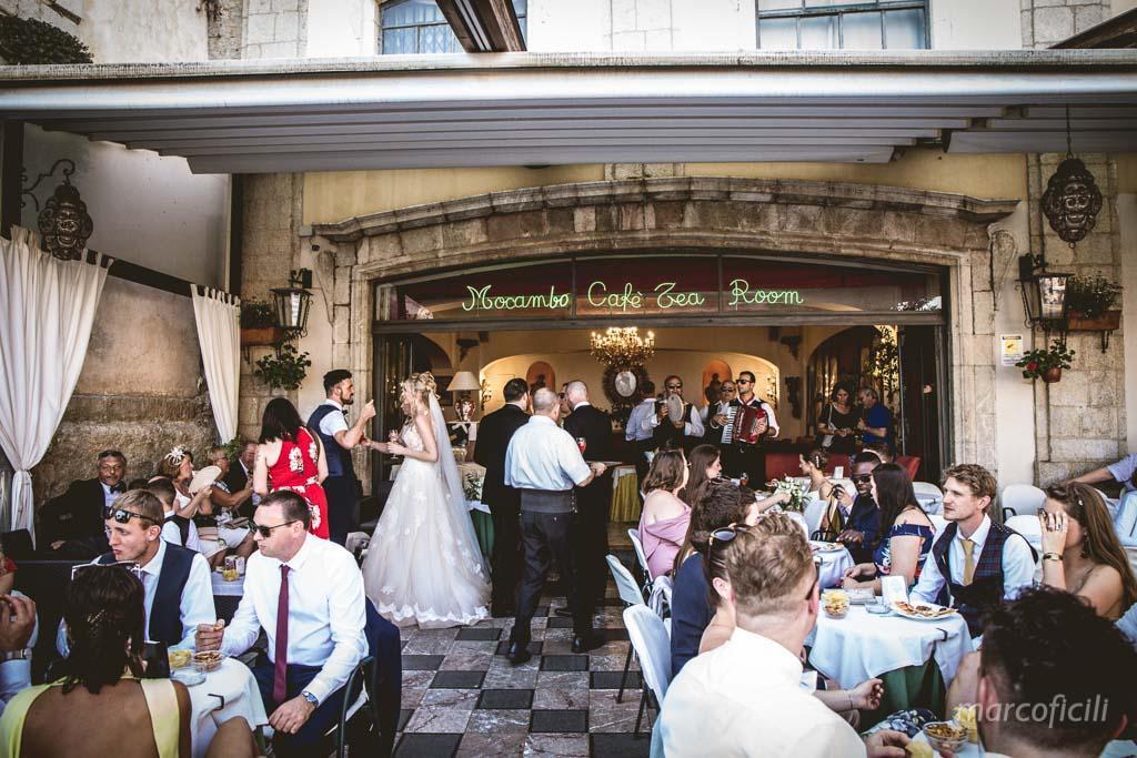 Bar Mocambo, Taormina, sposi