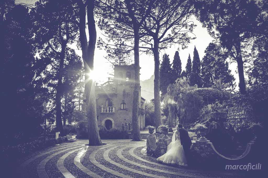 Villa di taormina, foto, sposi, bacio, B&N