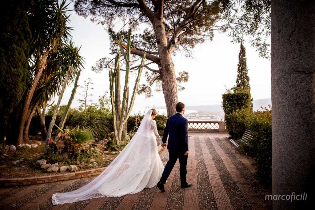 Taormina_wedding_photo_shoot_setting_pubblic_gardens
