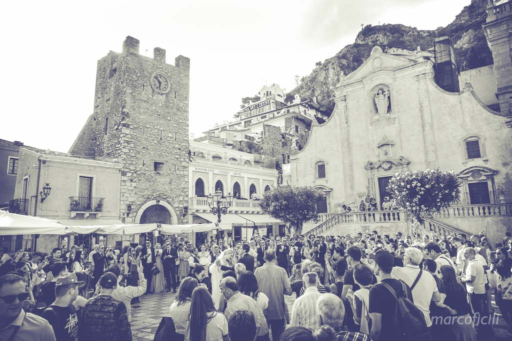 ix aprile square, taormina, wedding, party, dance, have, fun, Sicily, photos