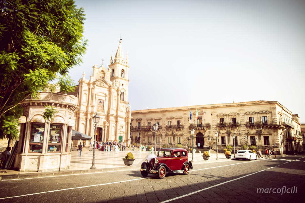 Destination Wedding Sicily, Acireale, vintage car, Balilla, wedding car, wedding vintage car, cool wedding car,