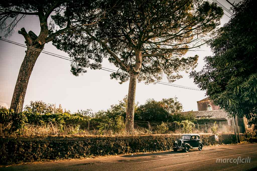 Castle wedding godfather, balilla, vintage car
