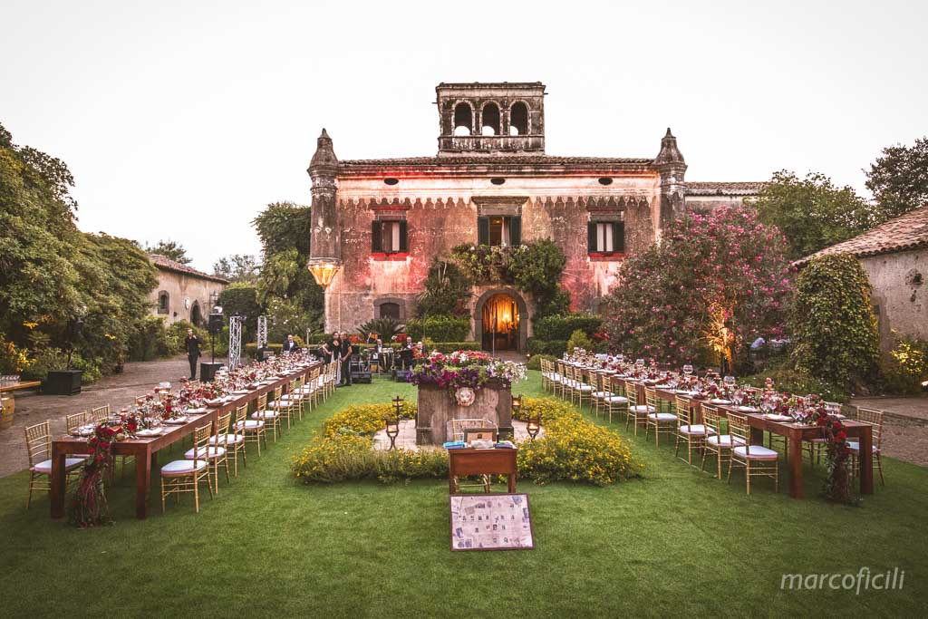 Castle wedding godfather, castello degli Schiavi, taormina, chic wedding, perfect venue