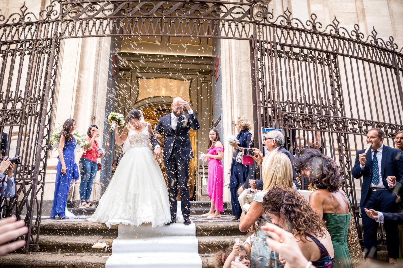 Casa delle terre Forti Matrimonio _acicastello_fotografo-chiesa-san giuliano-catania-uscita-sposi-riso