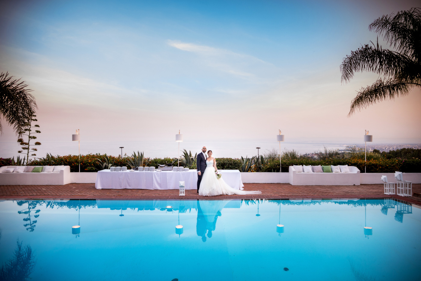 Casa delle terre Forti Matrimonio _acicastello_fotografo-chiesa-san giuliano-catania-tramonto-romantico-foto-sposi-piscina