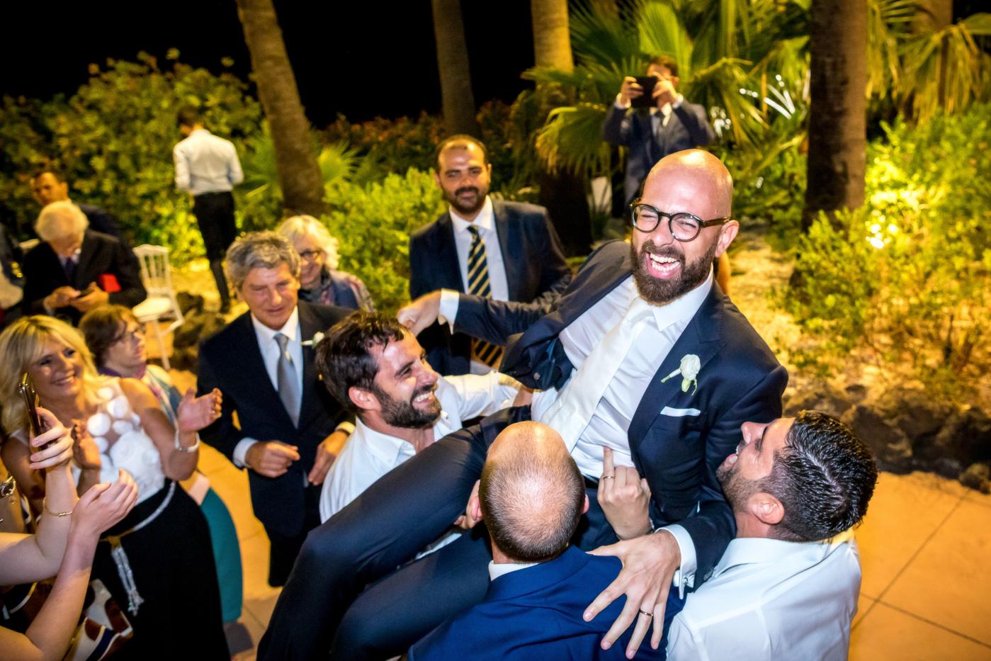 Casa delle terre Forti Matrimonio _acicastello-fotografo-catania-creativo-ballo-divertente