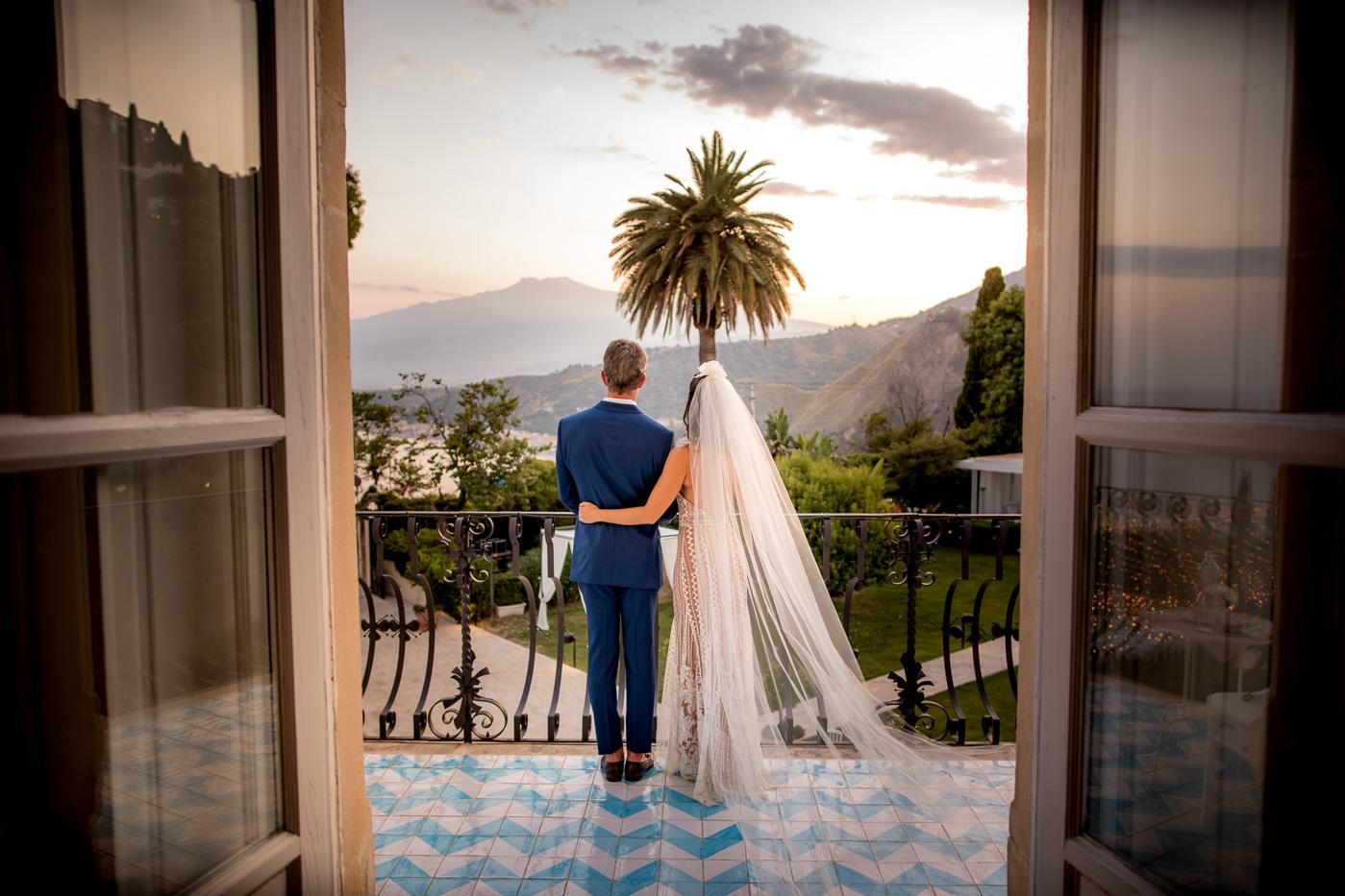 Matrimonio Romantico Villa Mon Repos _taormina_matrimonio_fotografo_foto-sposi-vista-etna