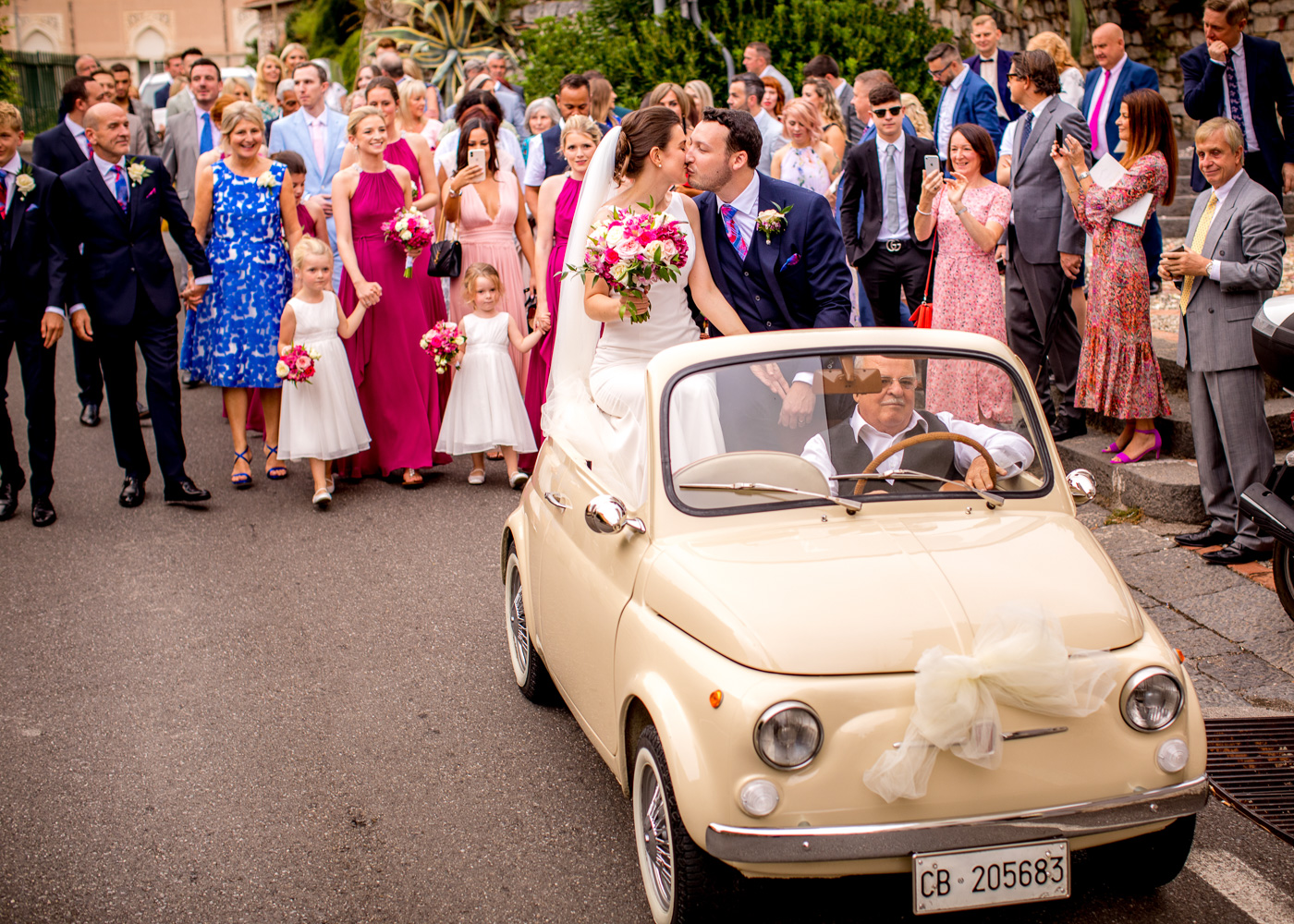 Lovely Wedding Taormina-vintage-car-500-fiat-bride-groom