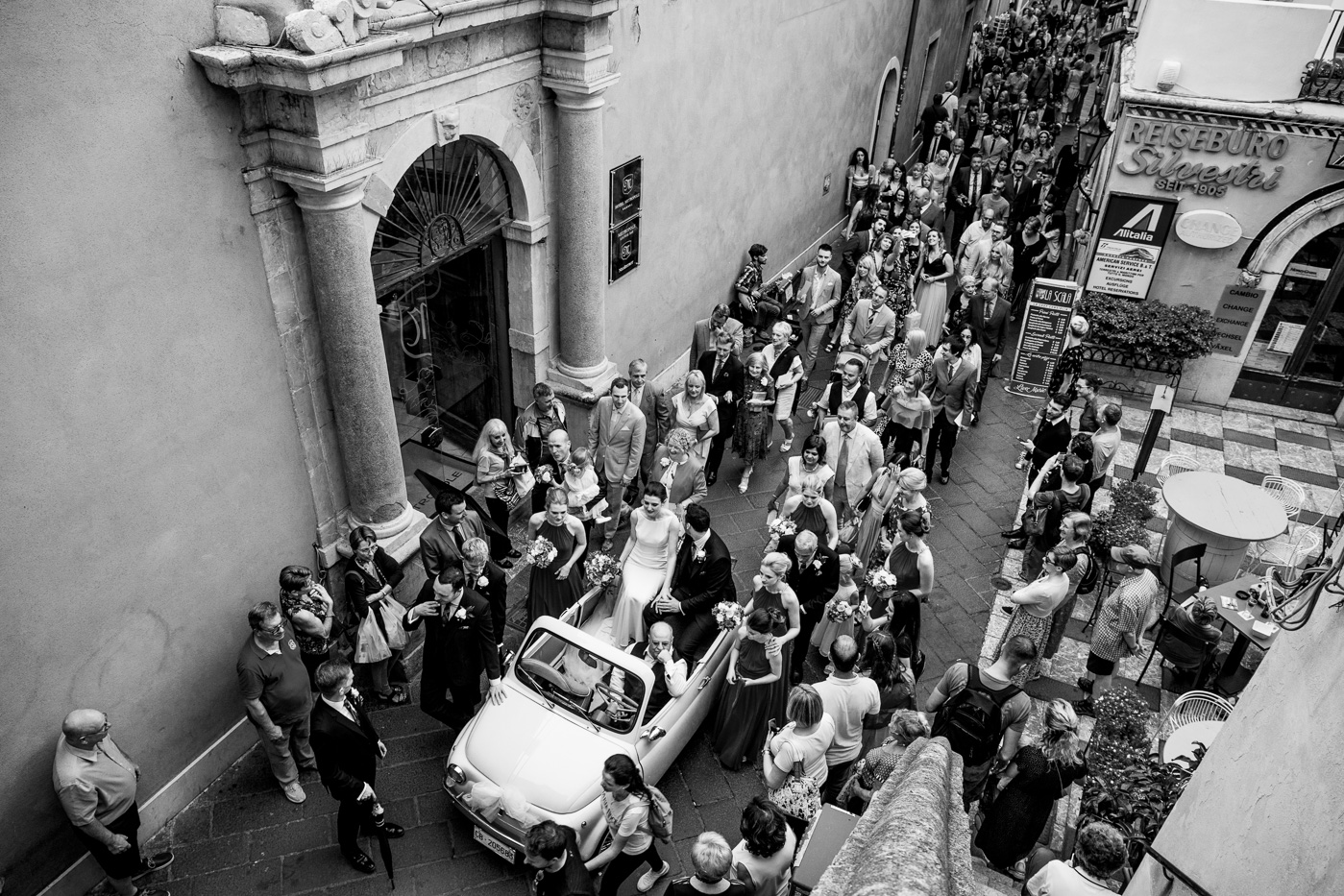 Lovely Wedding Taormina-vintage-car-500-fiat-corso-umberto