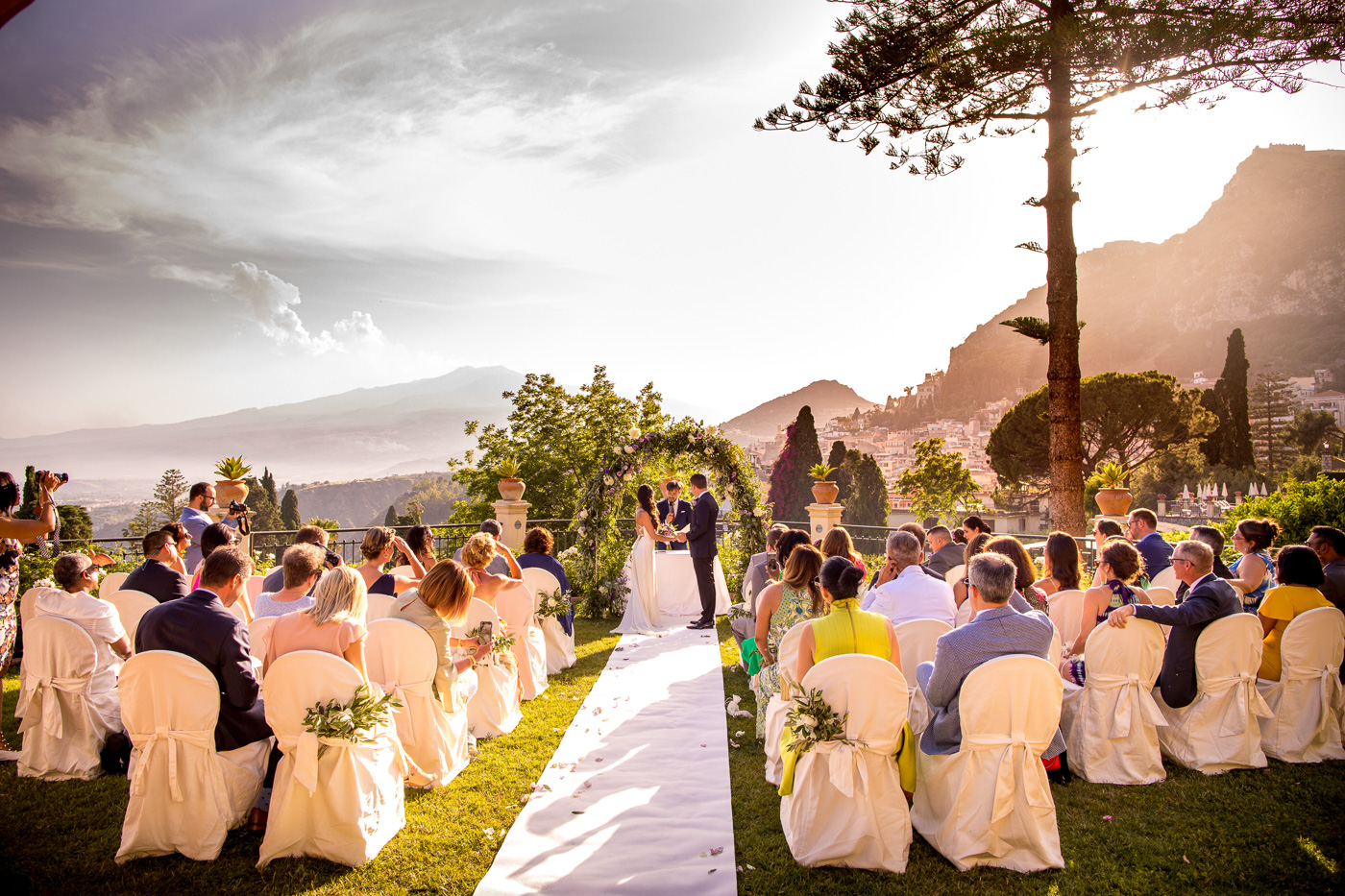 Intimate Wedding Taormina-luxury-venue-belmond-timeo-hotel-ceremony-terrace-sea-view